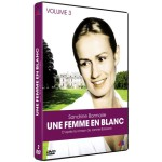 Une femme en blanc